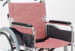 車椅子と初期装備シートベルトの画像
