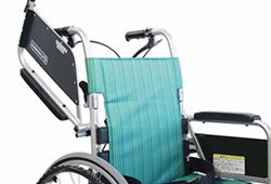 肘跳ね上げ式車椅子の画像