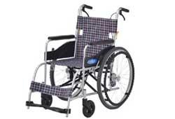 ノーパンクタイヤの自走式車椅子
