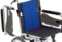 肘が跳ね上げ式の車椅子