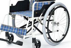大きなタイヤの車椅子