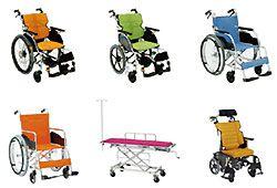 カラフルな車椅子のイメージ