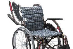 肘跳ね上げ機能付き車椅子