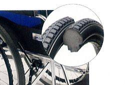 ノーパンクタイヤ車椅子