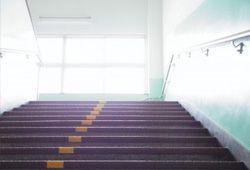 学校の階段のイメージ