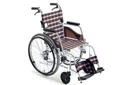 スリムで軽量な車椅子